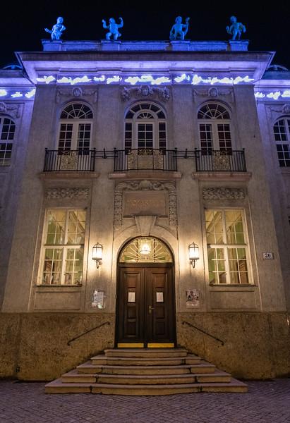 Mozarteum at night