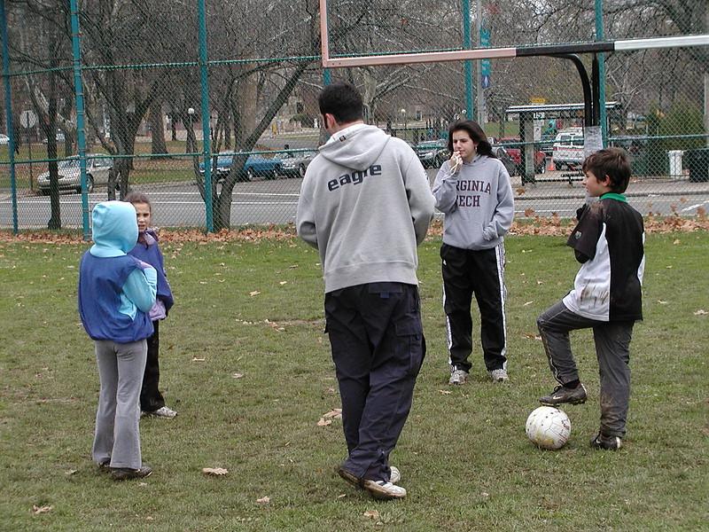 2004-11-28-GOYA-Turkey-Bowl_024.jpg