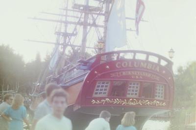 Di Disneyland 1985