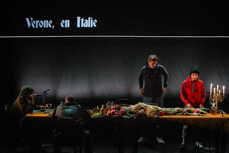 COMPAGNIE DERIVATION_Roméo & Juliette-1.jpg