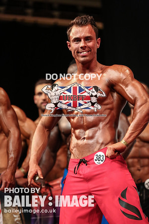 MEN'S PHYSIQUE OVER 182 CM