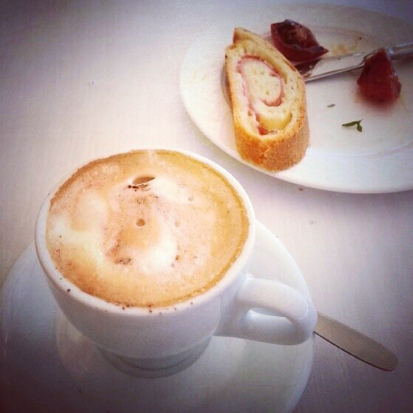 Usually_I_only_drink_coffee_for_the_caffeine_but_in_Italy_I_loved_my_morning_cappuccinos..jpg