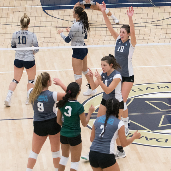HPU Volleyball-92767.jpg