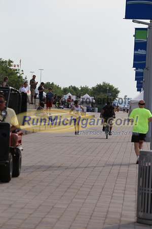 Finish Gallery 1 - 2013 River Days 5K