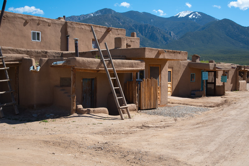 clay houses in Taos, New Mexico