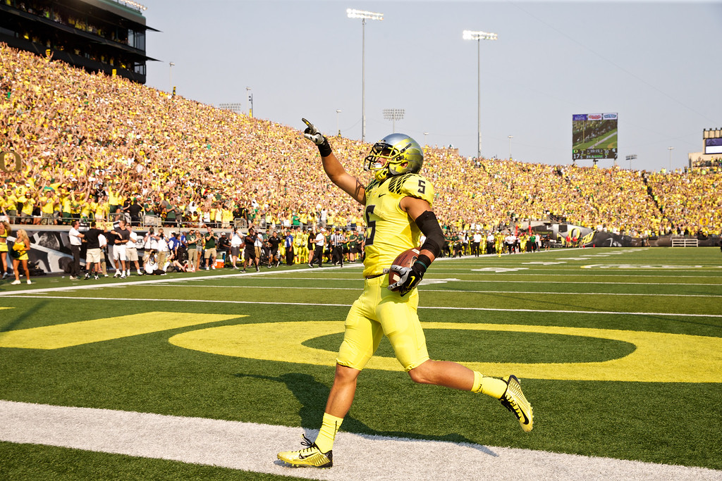 . Oregon Ducks Devon Allen celebrates his second quarter touchdown against the Michigan State Spartans at Autzen Stadium, in Eugene, Oregon, Saturday, Sept, 6, 2014.(AP Photo/The Oregonian, Thomas Boyd)  MAGS OUT; TV OUT; LOCAL TELEVISION OUT; LOCAL INTERNET OUT; THE MERCURY OUT; WILLAMETTE WEEK OUT; PAMPLIN MEDIA GROUP OUT