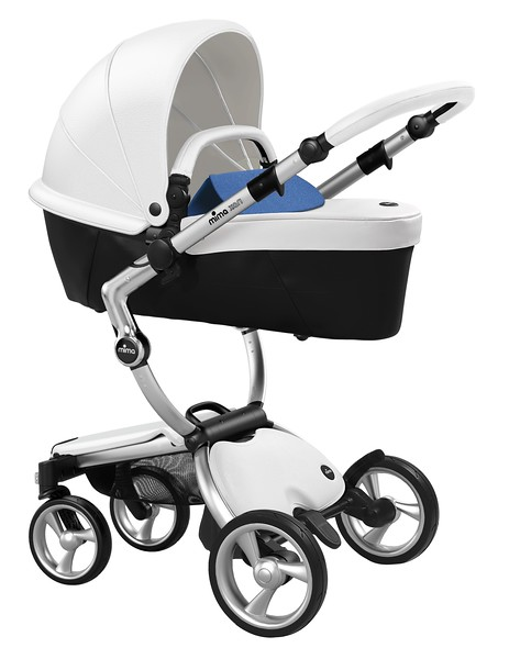 Mima_Xari_Product_Shot_Snow_White_Aluminium_Chassis_Denim_Blue_Carrycot.jpg