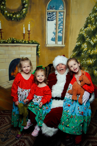 Pictures with Santa Earthbound 12.2.2017-030.jpg