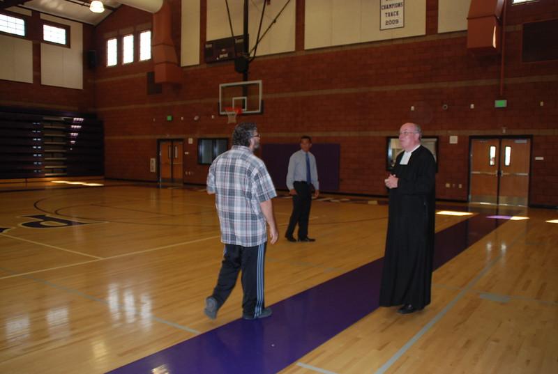 CathedralHigh_MartinFarfan-BrotherJames_2010-08-31_p029.JPG