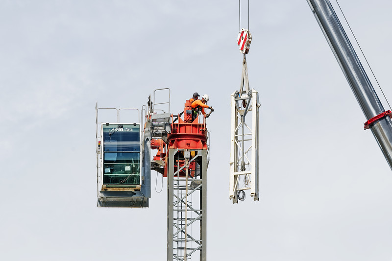 Construction crane removal. Update ed314. Gosford. April 9, 2019.