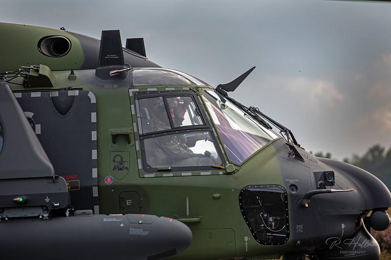 NH90_20_signed.jpg