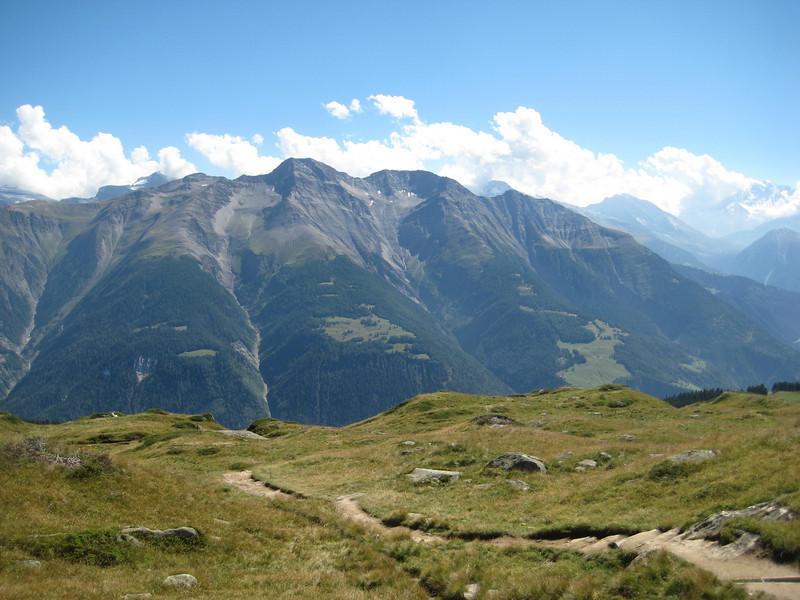 mountains_2.jpg