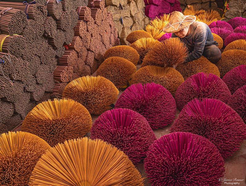 Incense worker