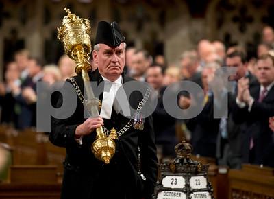 video-exmountie-hero-of-shooting-at-canadas-parliament
