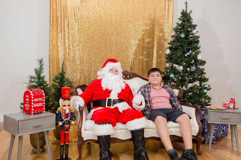 FADS Picture with Santa-276.jpg