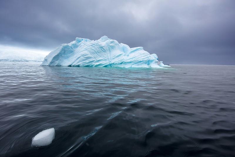 Fractured Iceburg FA6972-.jpg