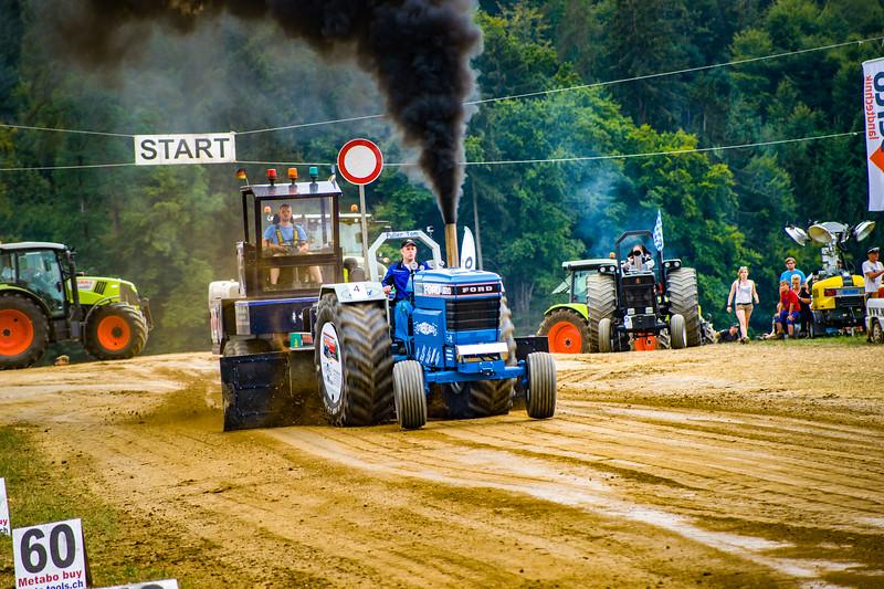 Tractor Pulling 2015-02486.jpg