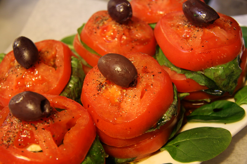 caprese-salad-tower_3376712152_o.jpg
