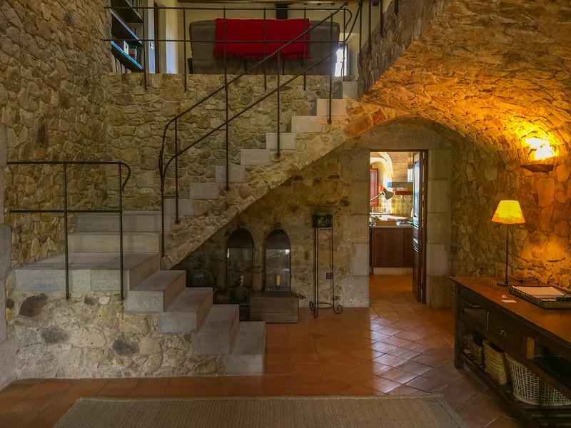 charming-villas-costa-brava-spain-7.jpg