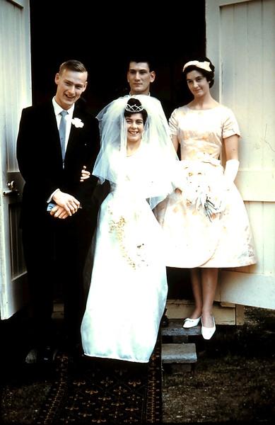 1961-8-19 (21a) Graham, Mary, Nigel & Elaine.JPG