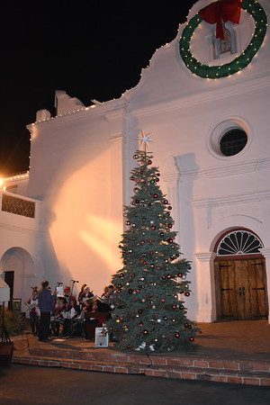 12-13-2019 Tree Lighting photos and Caroling videos [group 2]