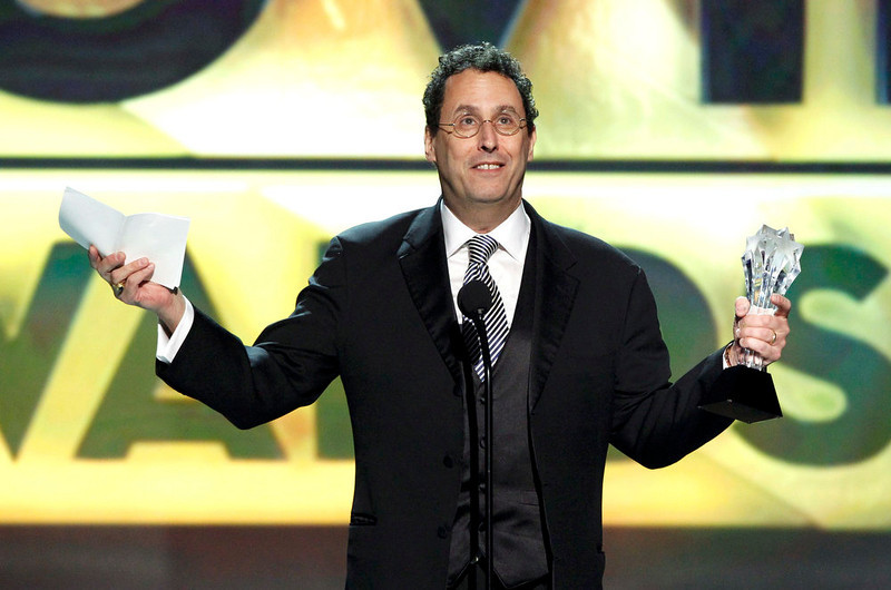 """. Writer Tony Kushner accepts the award for \""""Best Original Screenplay\"""" for the movie \""""Lincoln\"""" at the 2013 Critics\' Choice Awards in Santa Monica, California January 10, 2013.  REUTERS/Mario Anzuoni"""