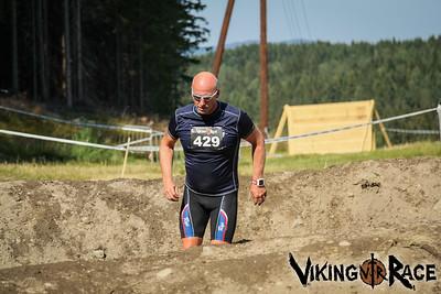 Mud Hurdles 1400-1430