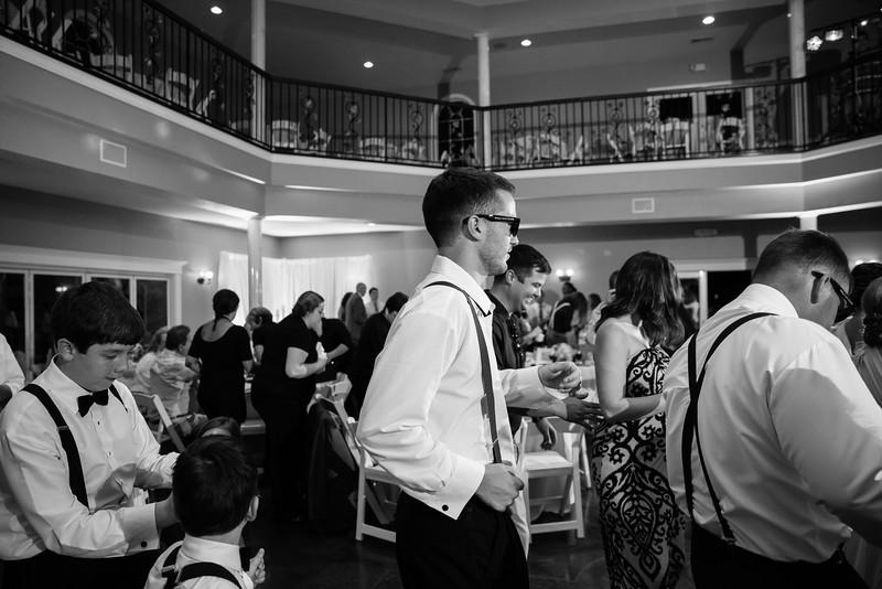 1029_Josh+Lindsey_WeddingBW.jpg