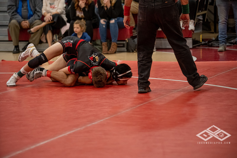Wrestling at Granite City-09133.jpg