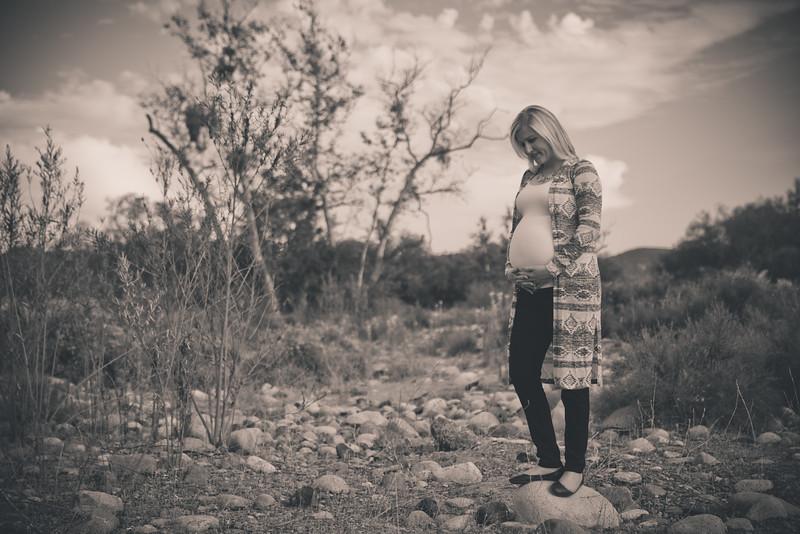 Mattice_Maternity_B&W_PRINT-28.jpg
