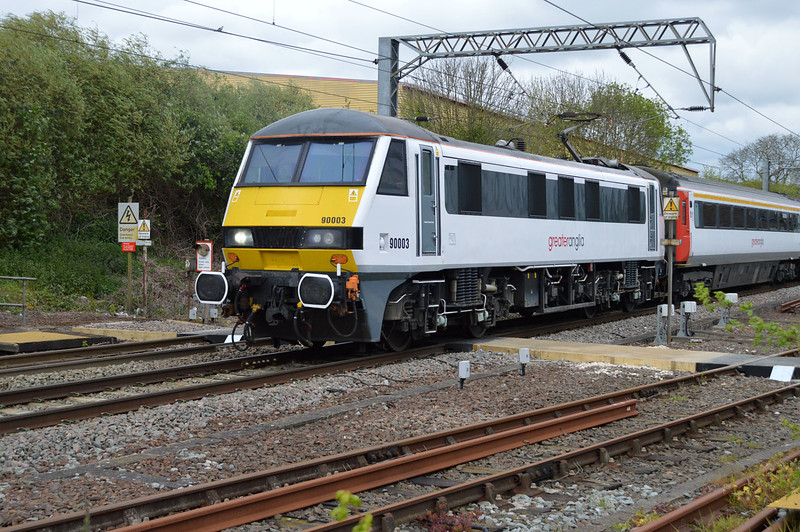 90003 approaches Diss at 1514 with a Norwich - Liverpool Street service.