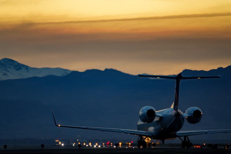 042621_airfield_united_express-281.jpg