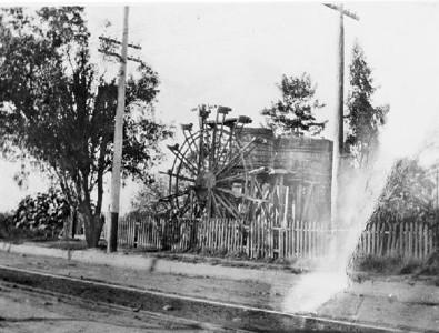 1900-WaterWheelOnZanjaMadre-AtSouthAlamedaNearWashingtonBlvd.jpg