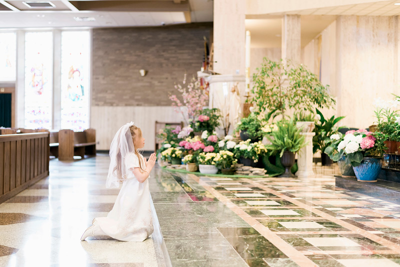 2019-divine-child-dearborn-michigan-first-communion-pictures-intrigue-photography-session-52.jpg
