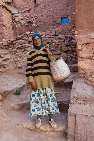 אשה בסמטאות אית בן ח'דו.jpg