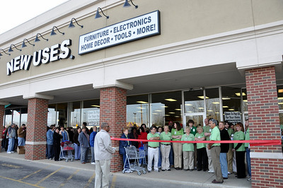 New Uses Hilliard Grand Opening