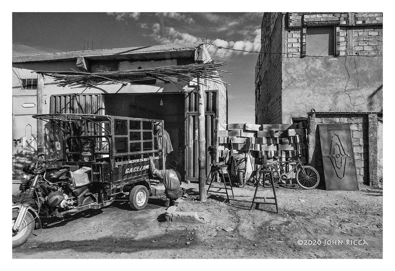 Two Men & A Truck, Morocco 1.jpg
