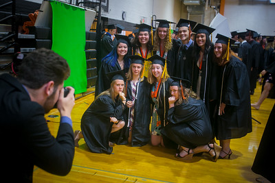 052018 Crystal Lake Central Grads (DQ)