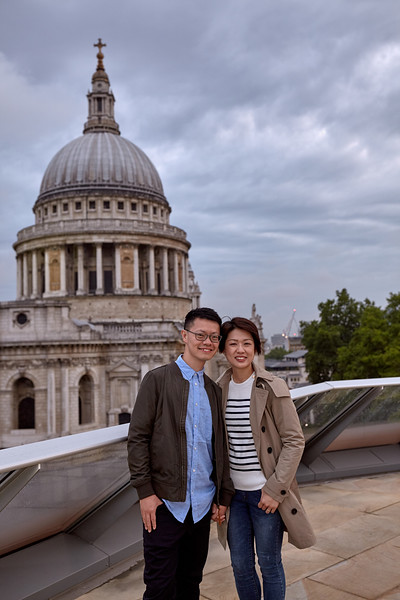 Vacation Photoshoot in London- Tower Bridge & St. Paul's Cathedral