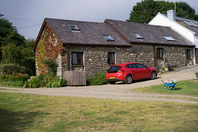 Holmus Cottage Little Newcastle (Haverfordwest)