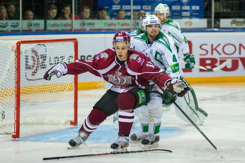 Kristaps Sotnieks (11) oun Koltsov Kirill (4)