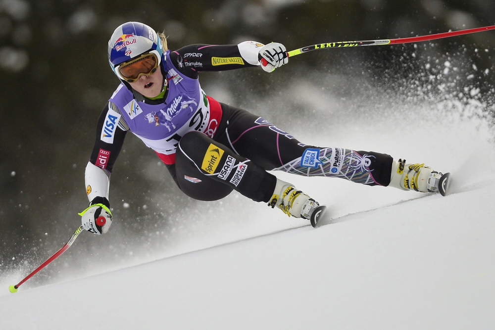 . USA Lindsey Vonn competes during the women\'s Super-G event of the 2013 Ski World Championships in Schladming, Austria on February 5, 2013.  FABRICE COFFRINI/AFP/Getty Images
