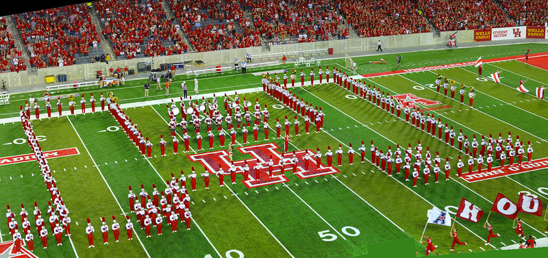 The UH Band in another stylized H formation.