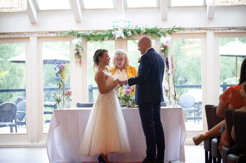 Sam_and_Louisa_wedding_great_hallingbury_manor_hotel_ben_savell_photography-0076.jpg