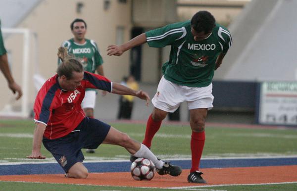 Mexico vs. USA veteran soccer players