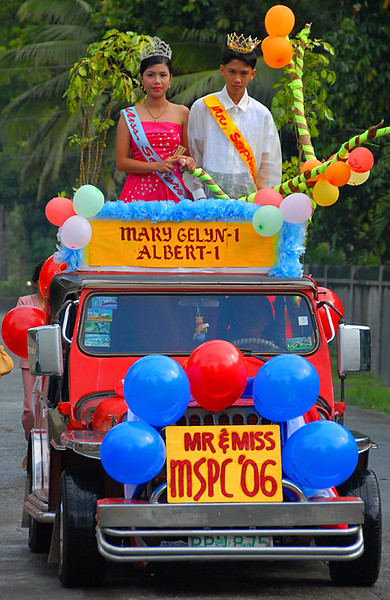 small-town-philippines-beauty-queen_117264796_o.jpg