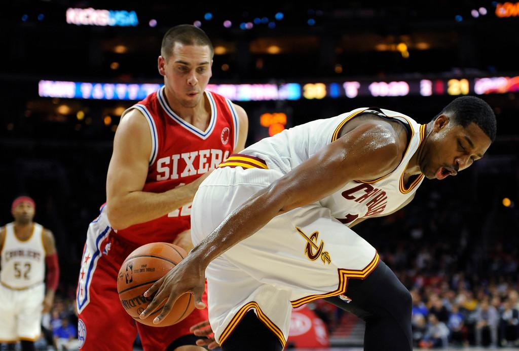 . Cleveland Cavaliers\' James Jones is seen during an NBA basketball game against the Philadlephia 76ers, Monday, Nov 2, 2015, in Philadelphia. (AP Photo/Michael Perez)