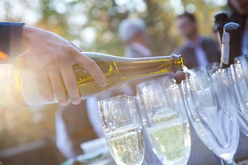 River Café Champagne Pour