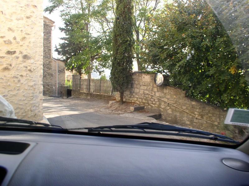 oneway road seguret.JPG