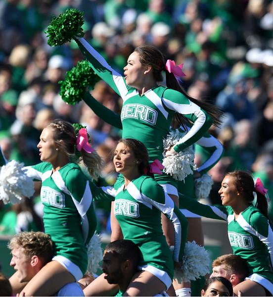 cheerleaders0734.jpg